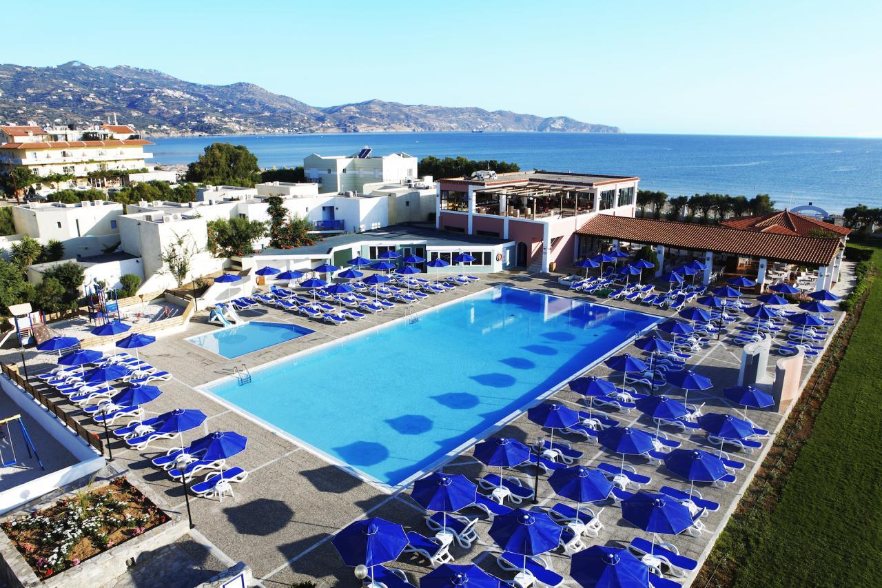 Dessole Dolphin Bay Resort 4*