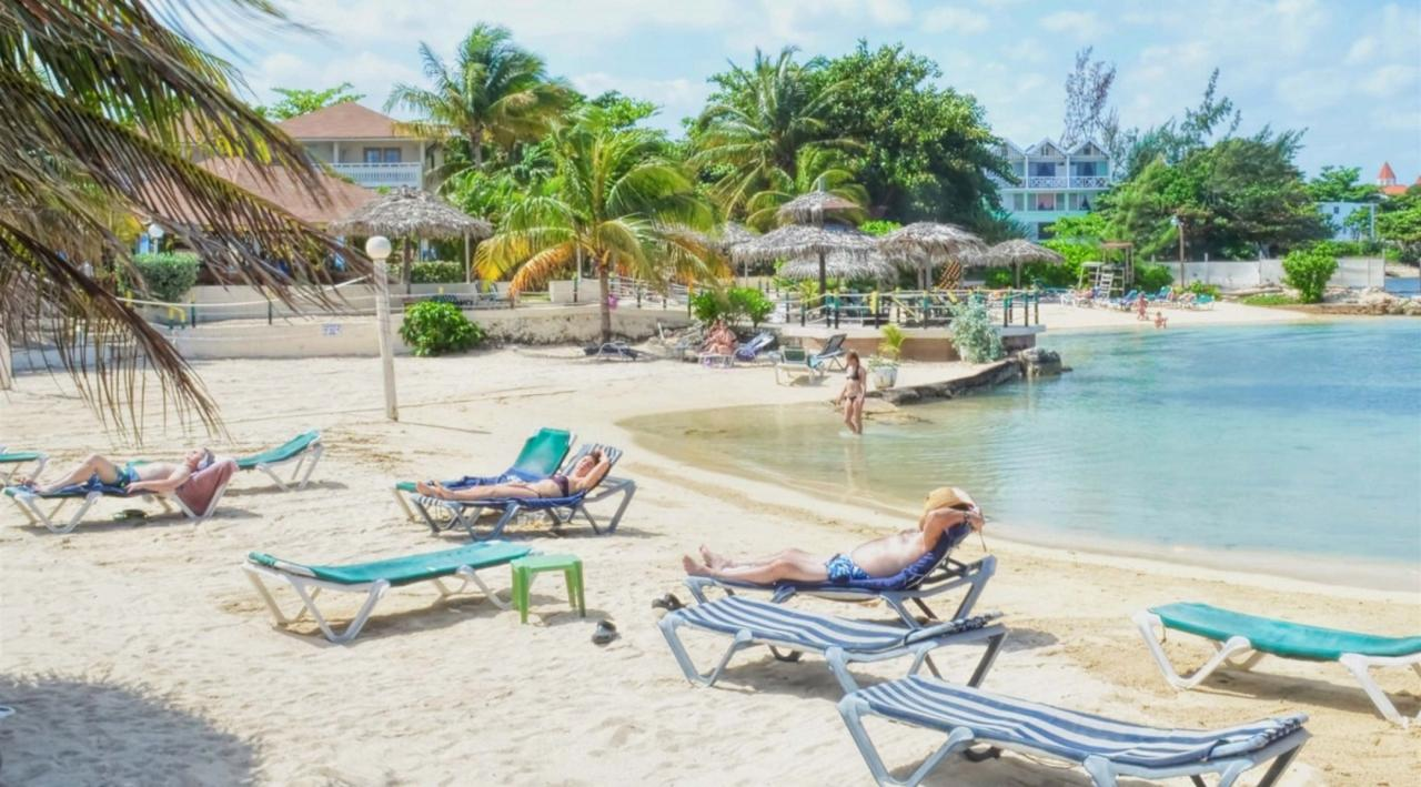 Club Ambiance Resort