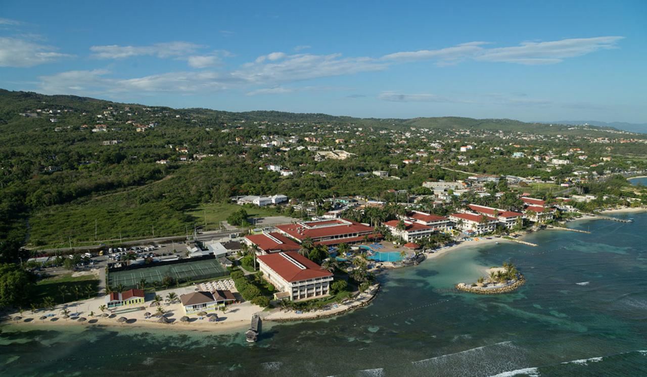 Holiday Inn Resort Montego Bay Jamaica 4