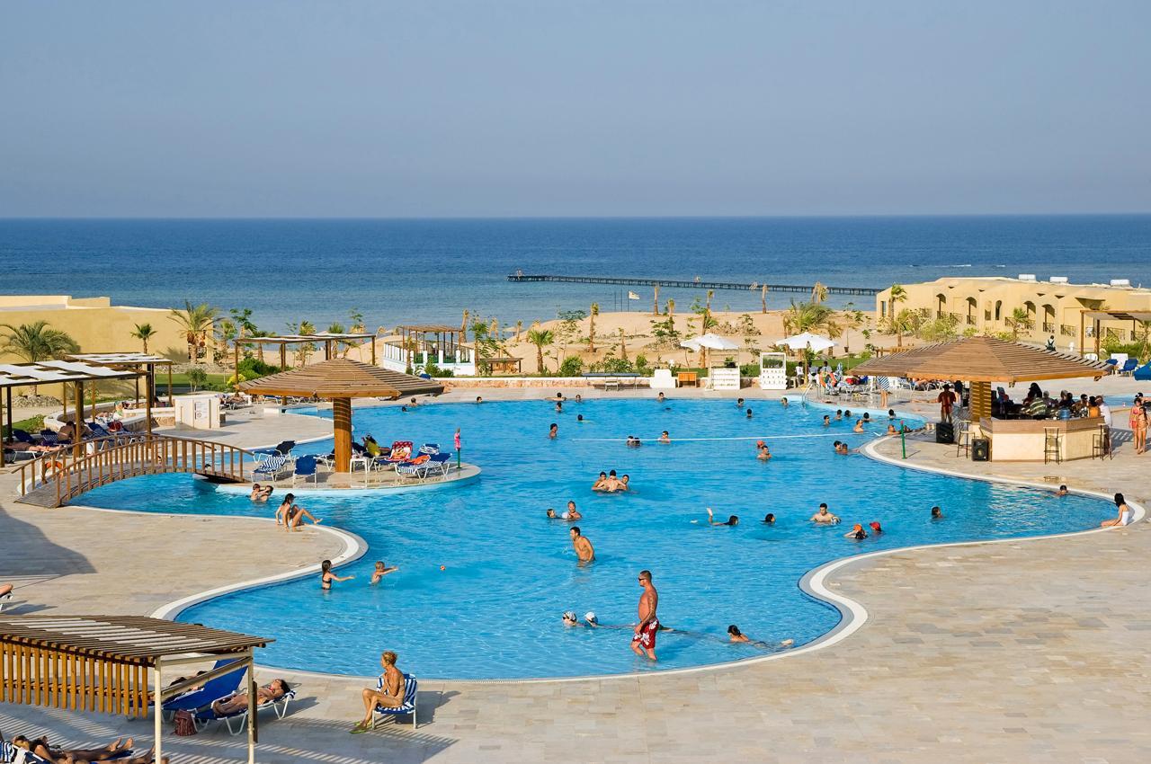 The Three Corners Fayrouz Plaza Resort 5* (4*)