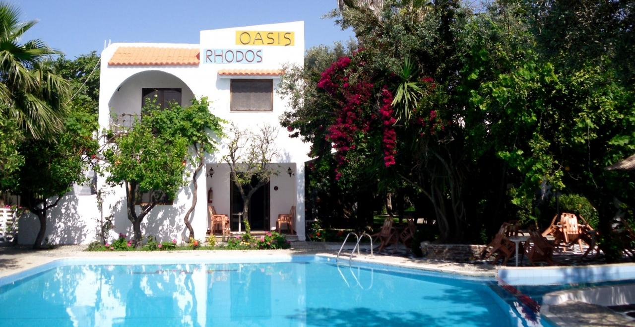 Oasis Hotel & Bungalow
